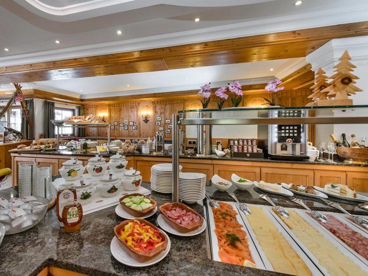 Frühstücksbuffet im Hotel Zauchensee Zentral